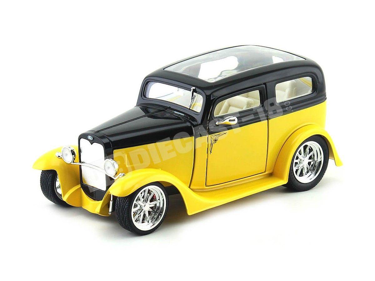 1931 Ford Model A Sedan Amarillo-Negro 1:18 Lucky Diecast 92848 Cochesdemetal.es