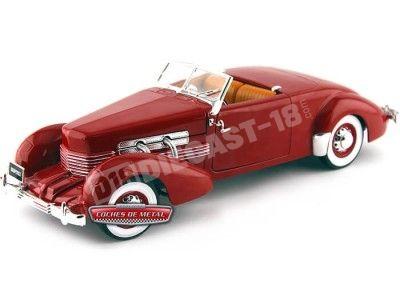 1937 Cord 812 Convertible Rojo 1:18 Auto World AMM1014 Cochesdemetal.es