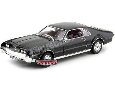 1966 Oldsmobile Toronado Negro 1:18 Lucky Diecast 92718 Cochesdemetal.es