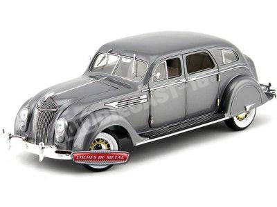 1936 Chrysler Airflow Gris Metalizado 1:18 Signature Models 18126 Cochesdemetal.es