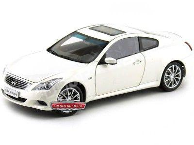 2013 Infiniti Q60 (G37S) V6 Coupe White 1:18 Paudi Models 5502 Cochesdemetal.es
