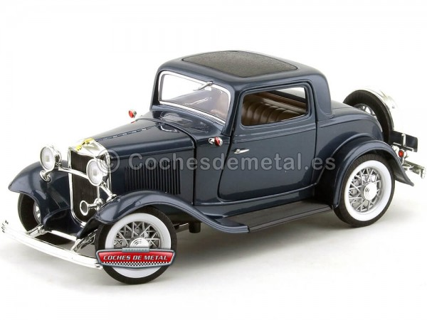 1932 Ford 3-Windows Coupé Metallic Dark Blue 1:18 Lucky Diecast 92248 Cochesdemetal.es