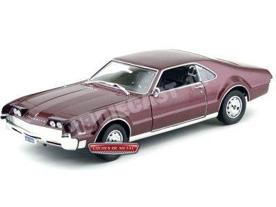 1966 Oldsmobile Toronado Burgundy 1:18 Lucky Diecast 92718 Cochesdemetal.es
