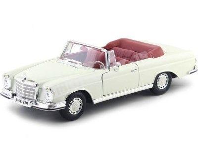1967 Mercedes-Benz 280SE (W111) Cabrio Beige 1:18 Maisto 31811 Cochesdemetal.es