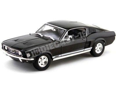 1967 Ford Mustang GTA Fastback Negro Metalizado Maisto 31166BK