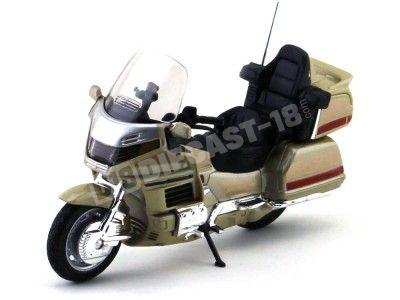 2010 Honda Gold Wing GL1800 Dorada 1:18 Welly 13299