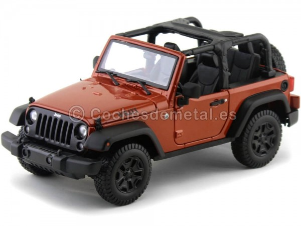2014 Jeep Willys Wrangler 3.6L Open Top Bronce 1:18 Maisto 31610 Cochesdemetal.es