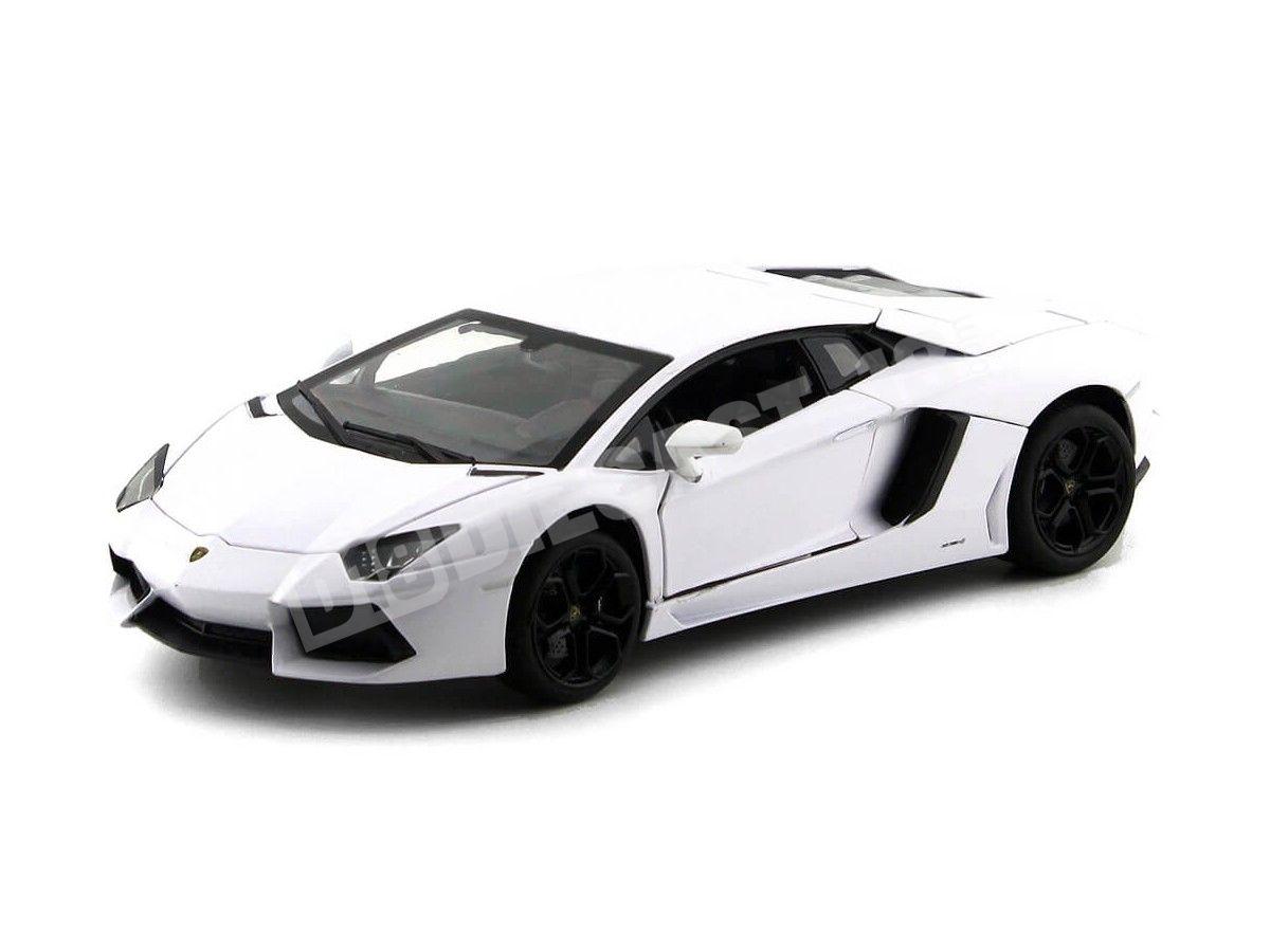 2013 Lamborghini Aventador LP700-4 Blanco 1:18 Rastar 61300 Cochesdemetal.es