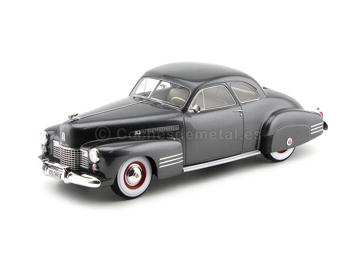 1941 Cadillac Series 62 Club Coupe Dark Grey 1:18 BoS-Models 291 Cochesdemetal.es