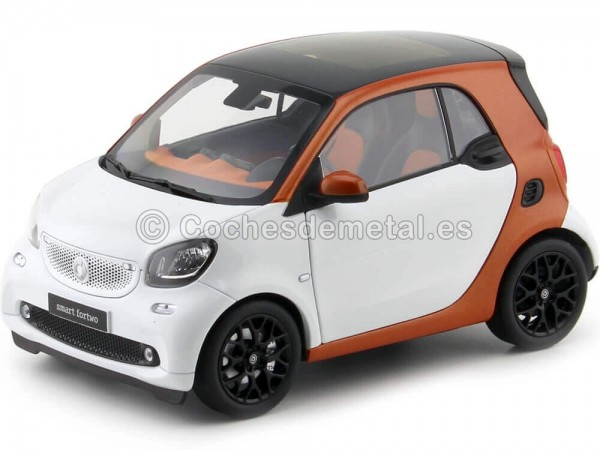 2015 Smart Fortwo Coupe (C453) Orange/White 1:18 Dealer Edition B66960280
