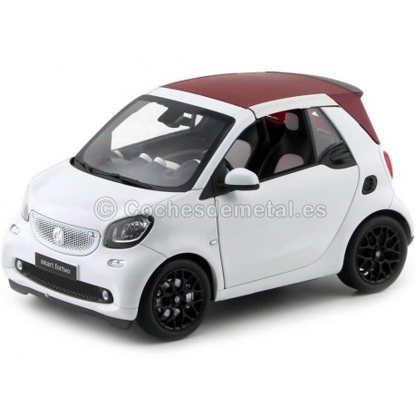 2015 Smart fortwo Cabriolet (A453) White/White 1:18 Dealer Edition B66960291