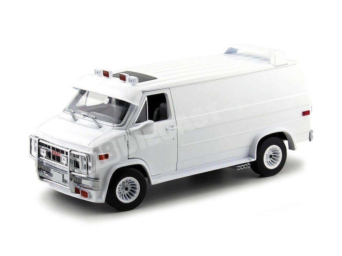 1983 Furgoneta GMC Vandura Cargo Van Blanca 1:18 Greenlight 13522 Cochesdemetal.es