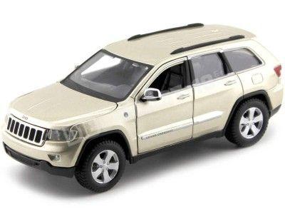 2001 Jeep Grand Cherokee Laredo Metallic Gold 1:24 Maisto 31205