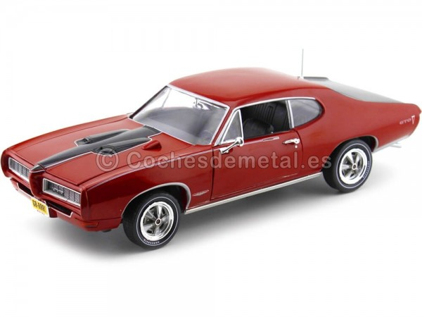 1968 Pontiac GTO Royal Bobcat Red-Black 1:18 Auto World AMM1153 Cochesdemetal.es