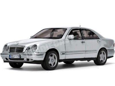 2001 Mercedes-Benz E320 W211 Brilliant Sliver 1:18 Sun Star 1170