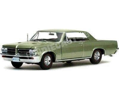 1964 Pontiac GTO Pinehurst Green 1:18 Sun Star 1827