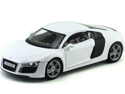 """2008 Audi R8 Blanco """"Real Madrid"""" 1:18 Maisto 36143 Cochesdemetal.es"""