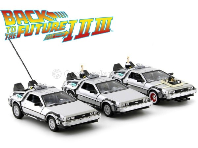 "1983 DeLorean DMC 12 ""Regreso al futuro"" Trilogy Pack 1:24 Welly 22400 Cochesdemetal.es"
